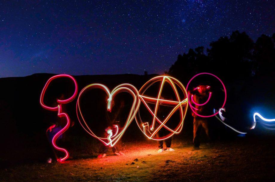 Herz, Stern und Smiley mit Leuchtstäben