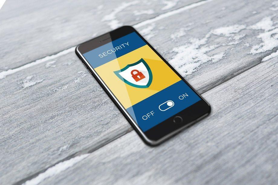 Schutzschild auf einem Handybildschirm