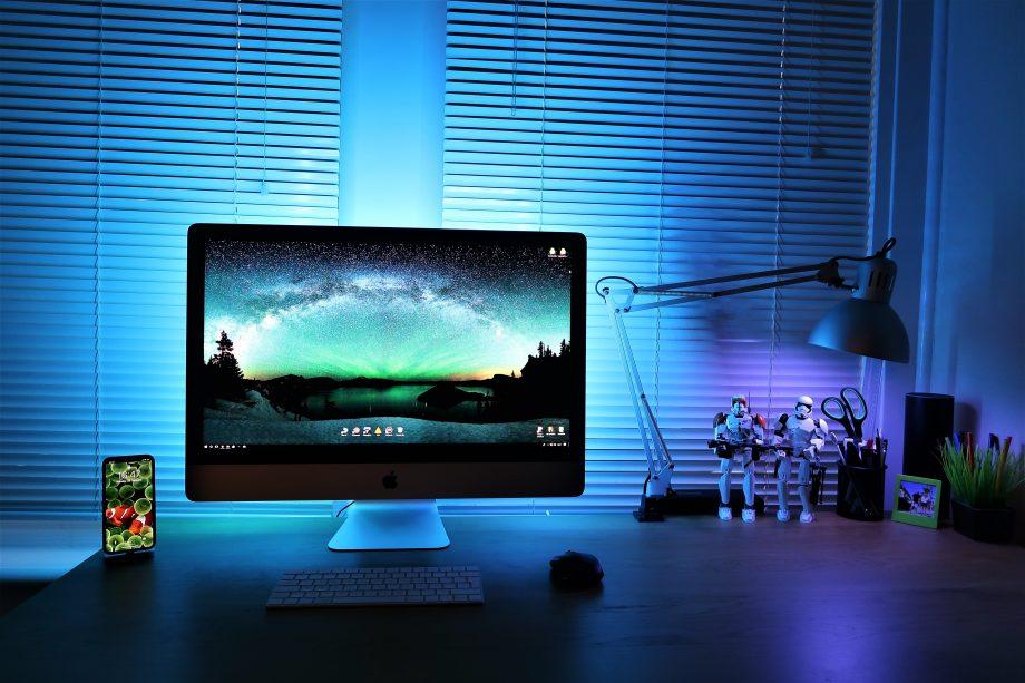 Bildschirm mit blauem Licht